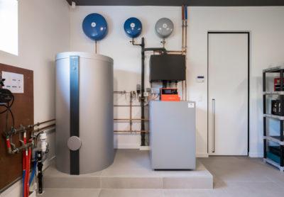 Aarde-water warmtepompinstallatie met boiler