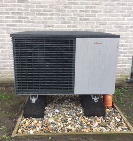 lucht-water warmtepomp split unit